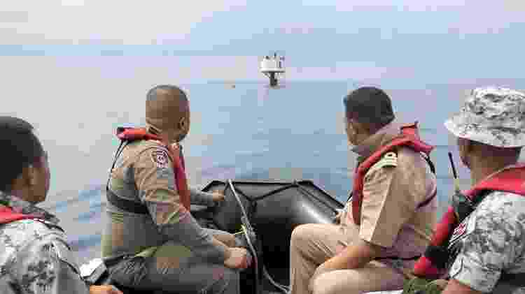 A Marinha da Tailândia afirma que a estrutura foi construída sem permissão das autoridades - Marinha da Tailândia/BBC
