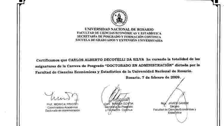 MEC diz que Decotelli concluiu créditos necessários para doutorado na Universidade de Rosário e apresenta certificado emitido pela instituição - Reprodução - Reprodução