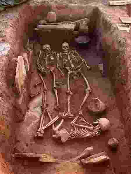 O túmulo da família de guerreiros citas que foi encontrado na Sibéria - Reprodução