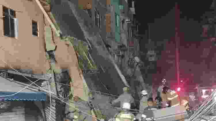 Prédio desmoronou por volta das 3h da madrugada; pai e filha morreram soterrados - Reprodução/Internet - Reprodução/Internet