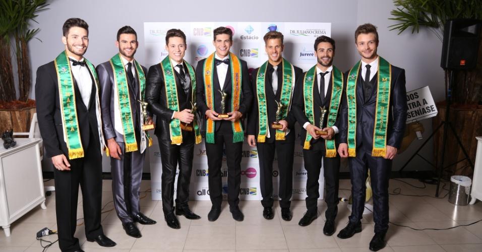 24.jun.2016 - Mister São Paulo, Carlos Franco (de faixa amarela), venceu o concurso Mister Brasil 2016, que aconteceu na noite dessa sexta-feira (24) em Jurerê Internacional, em Florianópolis (SC)