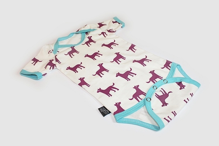 A empresa Matiz faz peças com algodão orgânico e sem definição de gênero (rosa ou azul) para bebês. Na foto, Body Matilha manga curta em algodão orgânico R$ 69,90
