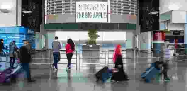 4.fev.2017 - Passageiros circulam pelo aeroporto internacional John F. Kennedy, em Nova York - Alex Wroblewski/The New York Times - Alex Wroblewski/The New York Times