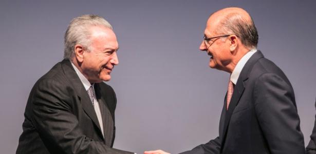 8.ago.2017 - Temer e Alckmin em congresso em São Paulo