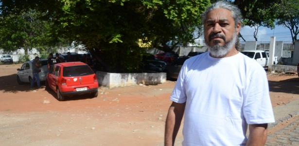 """4.jan.2018 - """"O dinheiro está faltando"""", diz o policial civil Francisco Valderedo Filho"""