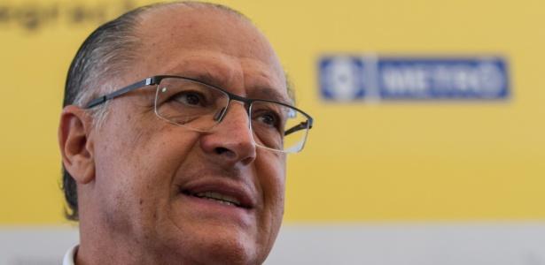 O governador de São Paulo, Geraldo Alckmin (PSDB), em visita às obras da nova Estação de Integração Morumbi/Monotrilho - Linha 9 Esmeralda da CPTM, na Marginal Pinheiros, zona sul de SP, nesta sexta-feira (16)