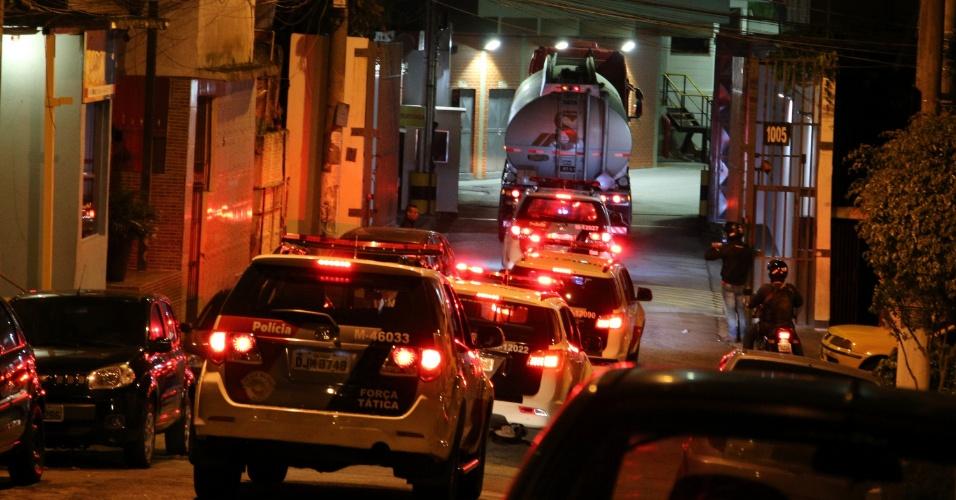 24.05.2018 - Combustível é escoltado pela PM ao aeroporto de Congonhas, em SP