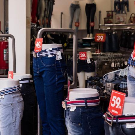 Vendas do comércio varejista ampliado acumularam alta de 1,9% no ano e redução de 1,3% em 12 meses - Marcus Leoni/Folhapress