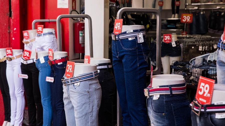 Imagem meramente ilustrativa; Confiança do consumidor apresentou recuperação em abril em meio à redução do pessimismo sobre os próximos meses - Marcus Leoni/Folhapress