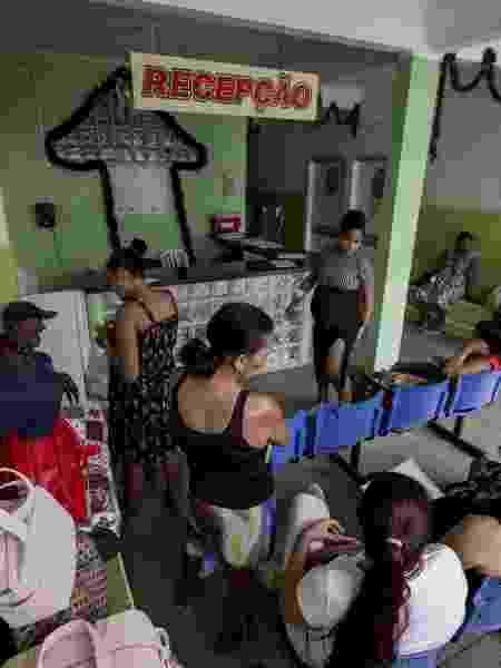 Moradores aguardam atendimento na Unidade Básica de Saúde de Antas, cidade no sertão baiano; Nordeste registrou 40% das desistências dos profissionais do programa Mais Médicos - Adriano Vizoni/Folhapress