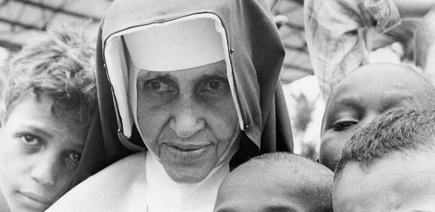 Cerimônia no Vaticano | Papa dá início à canonização de Irmã Dulce, 1ª santa brasileira