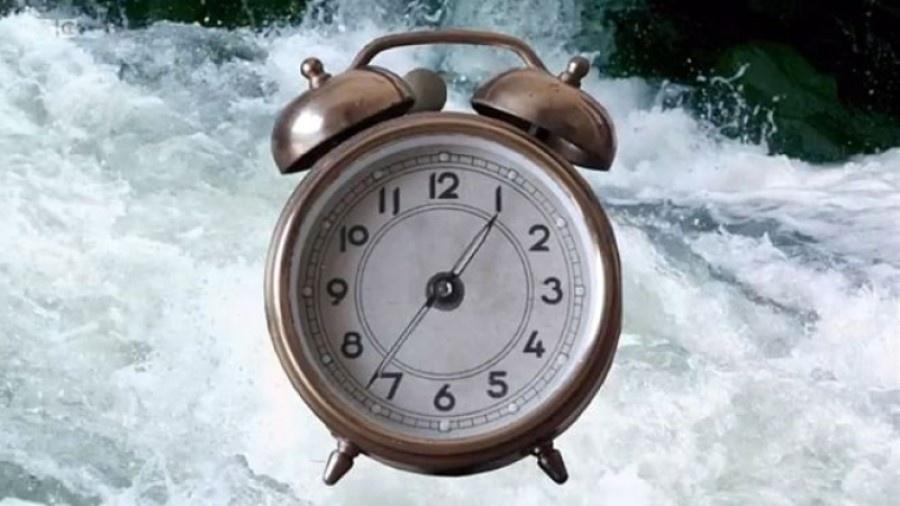 Na nossa mente, o tempo não é como um rio que corre apenas em uma direção - BBC
