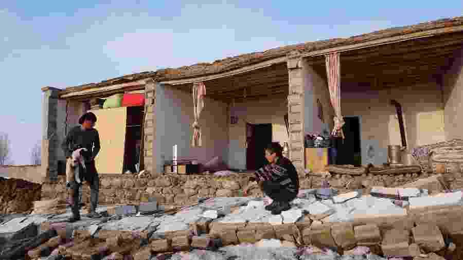 23.fev.2020 - Casas foram destruídas em Baskale, na província de Van, na Turquia - Demiroren News Agency (DHA) / AFP