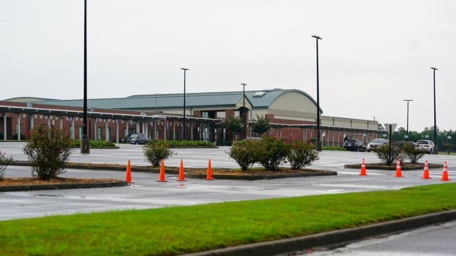 O distrito escolar do condado de Cherokee, no norte da Geórgia, nos Estados Unidos, encaminhou 826 estudantes e 43 professores para quarentena  - Elijah Nouvelage/Getty Images