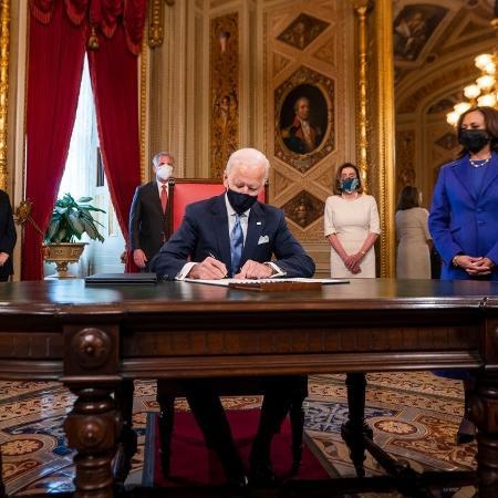 Arquivo - Biden aceitou convite para fazer no próximo dia 28 seu primeiro discurso ante sessão conjunta do Congresso - Pool/Getty Images