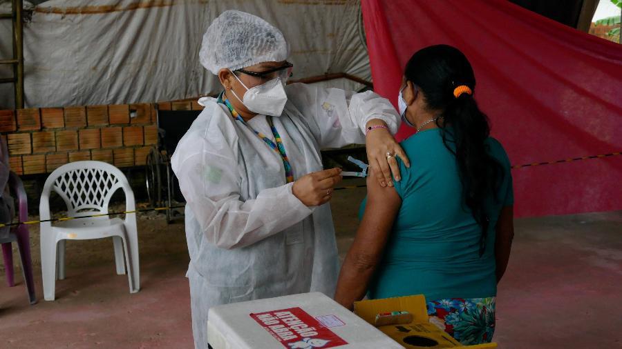 Vacinação continua avançando em Manaus - Sandro Pereira/Fotoarena/Estadão Conteúdo