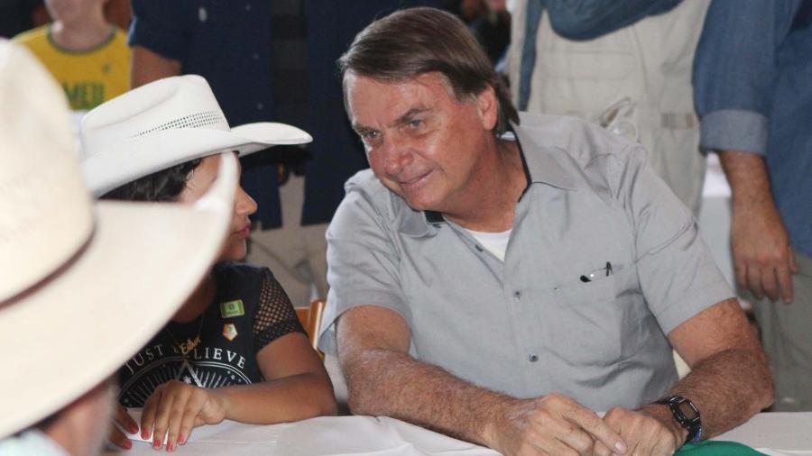 15.mai.2021 - Sem máscara e provocando aglomeração, o presidente Jair Bolsonaro (sem partido) participou de almoço com ruralistas em Brasília em meio a atos de apoio ao governo - CLÁUDIO MARQUES/ESTADÃO CONTEÚDO