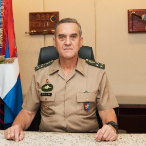 General Villas Bôas, comandante do Exército