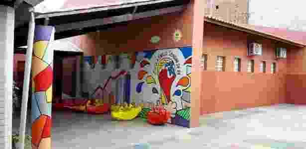 Muro da Emilio Sendim, em Sobral (CE), mostra desempenho da escola no Ideb - Reprodução/Facebook/Cleuzeni Maria de Jesus  - Reprodução/Facebook/Cleuzeni Maria de Jesus