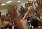 """""""Fiquem calmos, vamos tirá-los daqui"""": o momento em que a polícia resgata alunos nos EUA - Alexander Ball/Melody Ball via Reuters"""
