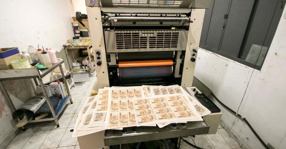 Resultado de imagem para fábrica de fazer dinheiro falso em são paulo