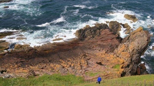 O Ponto Siccar é uma das localidades geológicas mais importantes do mundo - e foi um fazendeiro de 62 anos quem desvendou sua importância