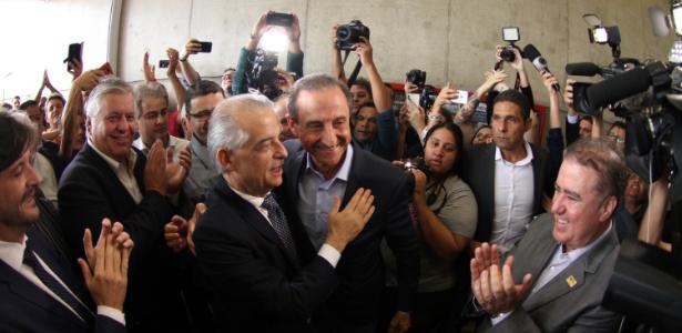 O candidato ao governo do estado de São Paulo, Márcio França (PSB), visita o Sesi Suzano (SP), nesta quarta-feira (10), acompanhado de Paulo Skaf (MDB)