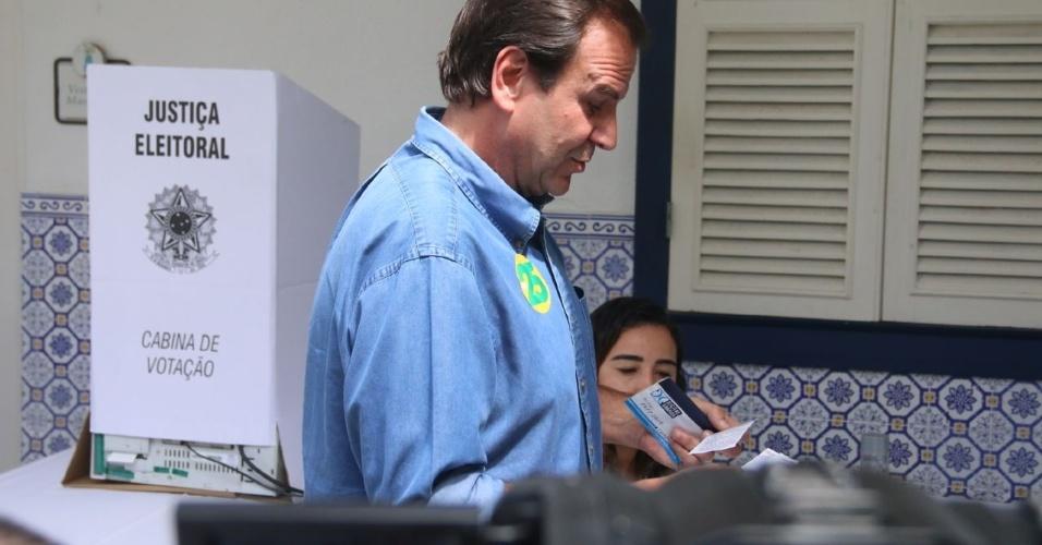 28.out.2018 - Eduardo Paes vota no Gávea Golf Club, no Rio de Janeiro