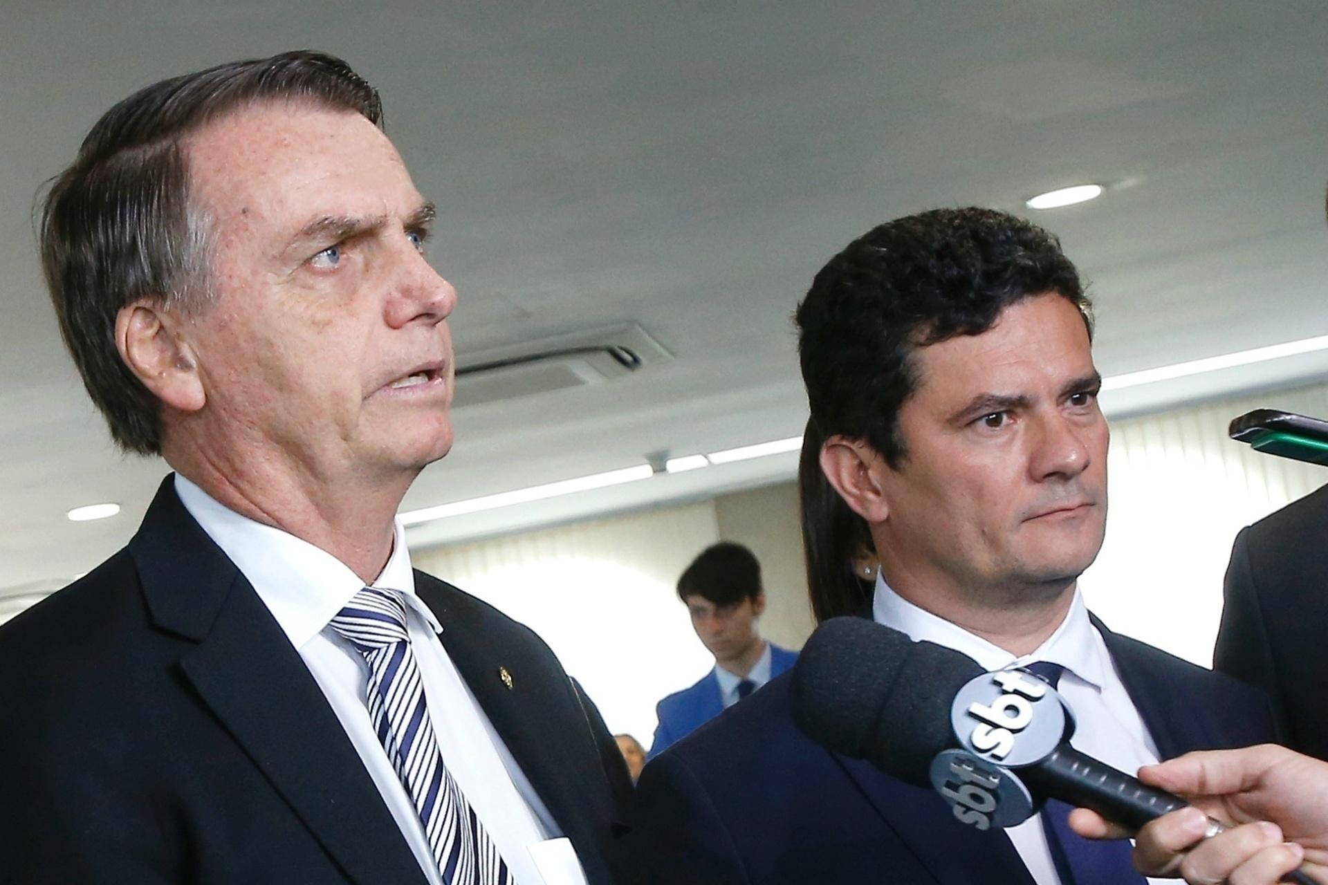 094a040e56 Bolsonaro anuncia excludente de ilicitude a agricultores sem consultar Moro  - 30 04 2019 - UOL Notícias