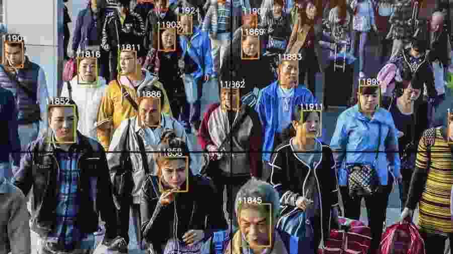 Telão com tecnologia da MegVii monitora transeuntes em rua de Beijing - Reprodução