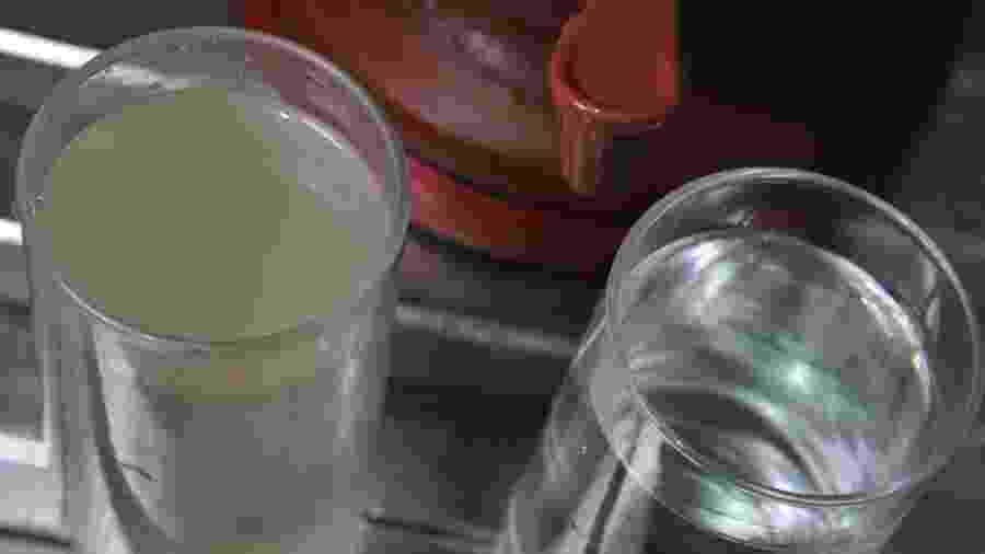 7.jan.2020 - Moradores nas zonas oeste e norte do Rio de Janeiro têm problemas no abastecimento da água, que chega com cor amarelada e cheiro forte - Saulo Angelo - 7.jan.2020/Estadão Conteúdo