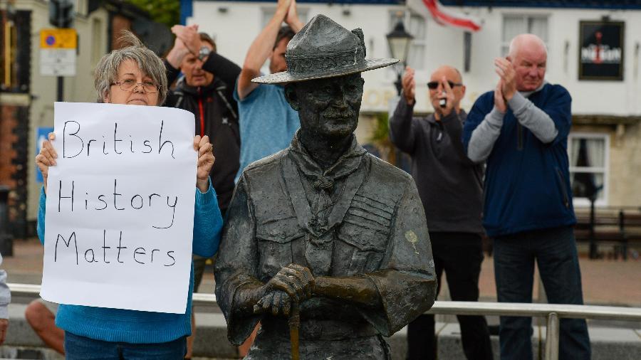 Estátua do fundador do Movimento Escoteiro, Baden-Powell, deve ser removida na cidade de Poole (Inglaterra) - Finnbarr Webster/Getty Images