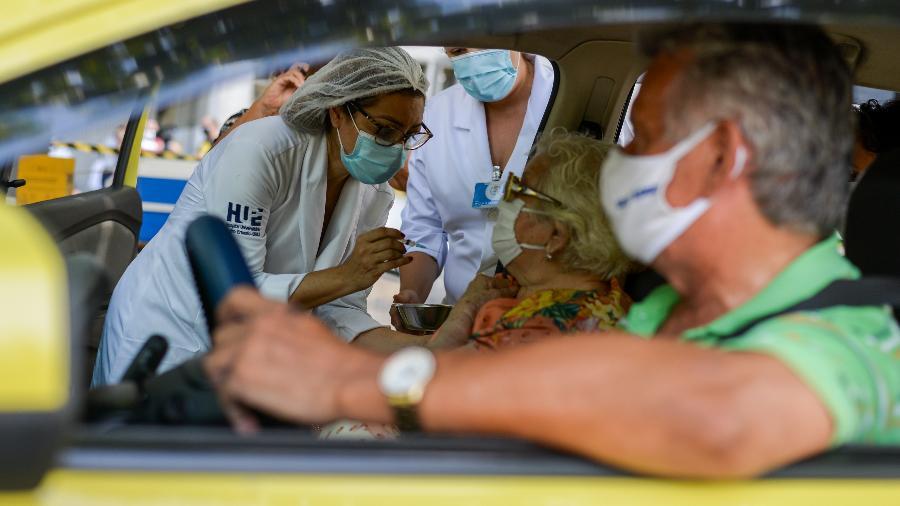 Brasil está perto de alcançar a marca de 33 milhões de vacinados contra a covid-19 - ERBS JR./FRAMEPHOTO/FRAMEPHOTO/ESTADÃO CONTEÚDO