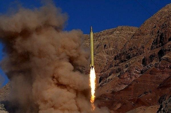 9.mar.2016 - O Irã testou nesta quarta-feira dois novos mísseis balísticos de longo alcance dentro das manobras em grande escala que foram lançadas ontem para experimentar este tipo de armamento, mesmo após as advertências dos Estados Unidos