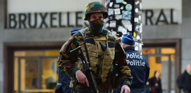 Espanha reforça segurança nos aeroportos após ataques em Bruxelas - Emmanuel Dunand/ AFP