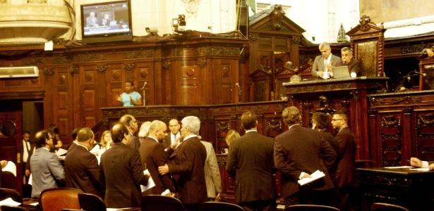 Deputados chegaram a um acordo na manhã desta terça-feira (13)