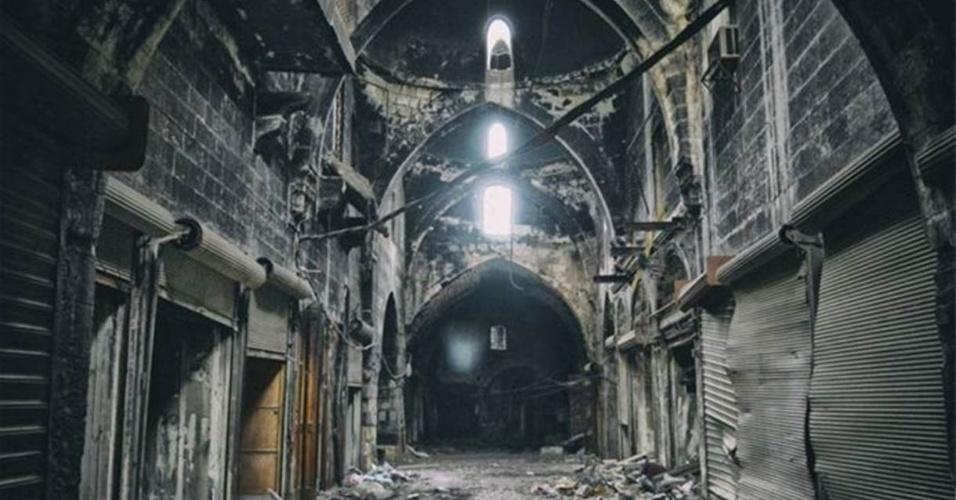 Destruição de souk: horror de uma guerra que já dura mais de quatro anos