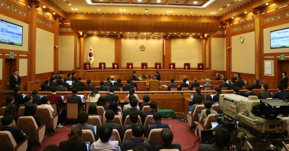 10.mar.2017 - Vista da sessão da Corte Institucional da Coreia do Sul durante decisão pelo impeachment da presidente Park Geun-hye, em Seul