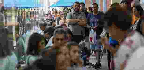 Fila para vacinação contra febre amarela no Rio de Janeiro - Ricardo Borges/Folhapress