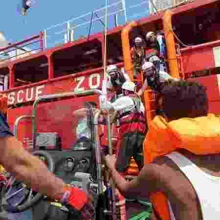Barco humanitário Ocean Viking, das ONG SOS Méditerranée e Médicos Sem Fronteiras - 12.set.2019 - Hannah Wallace Bowman/MSF/Handout/Reuters