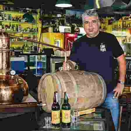 """O empresário Délio Canabrava está """"doando"""" o bar CanaBenta, em Curitiba, a quem assumir dívida - Reprodução/Facebook - Reprodução/Facebook"""