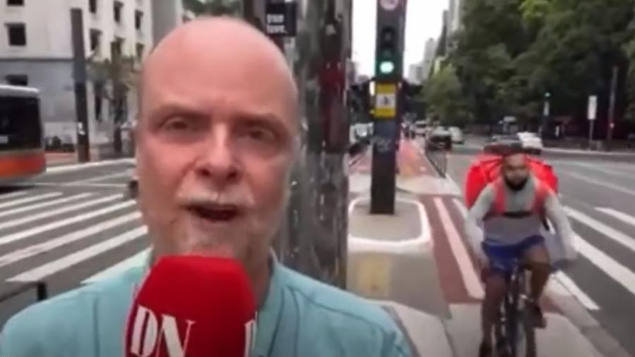O correspondente Henrik Brandão Jönsson quase teve o celular furtado na Avenida Paulista, em São Paulo  - Reprodução/Oliver S/Youtube
