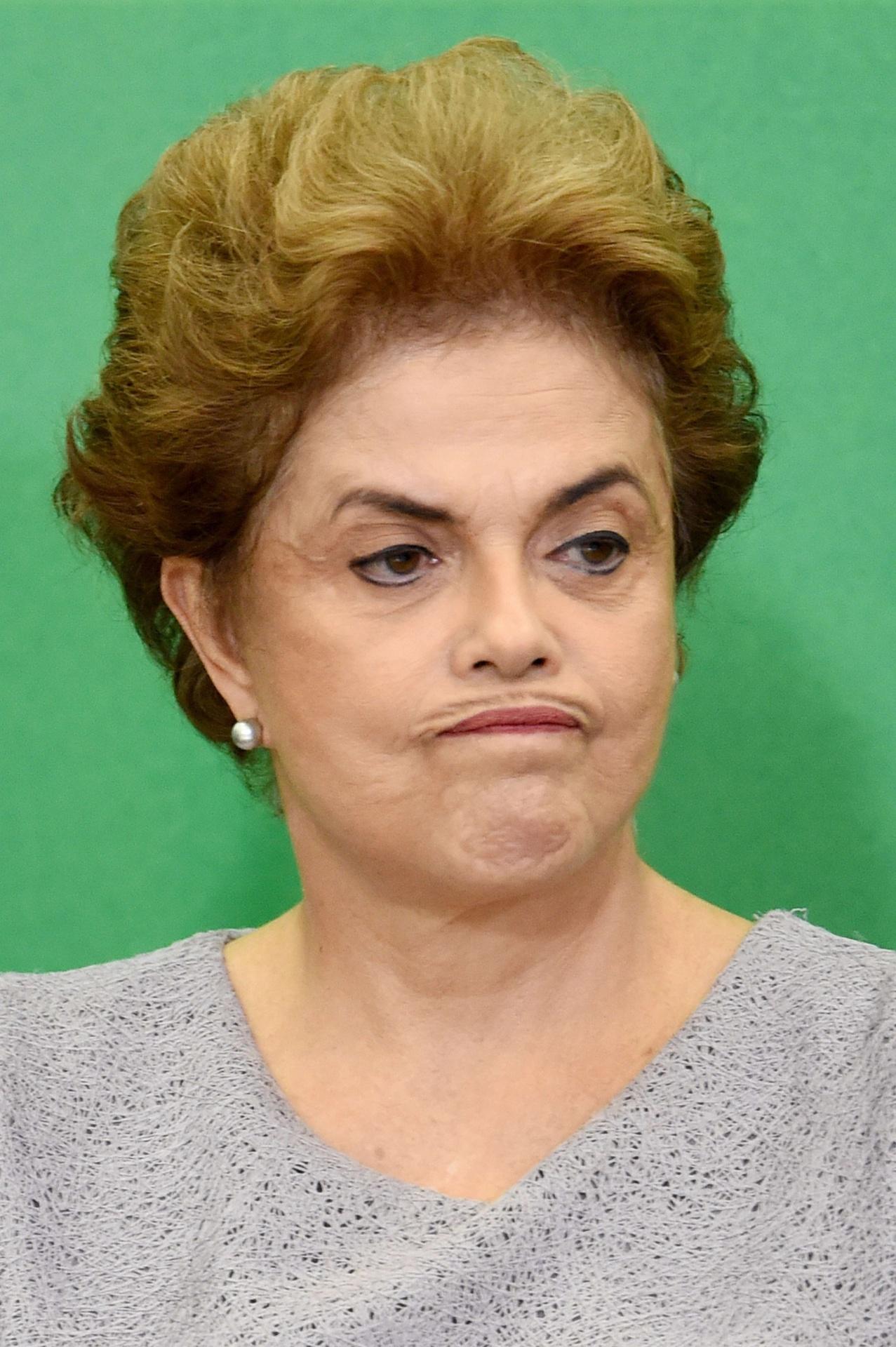 22.mar.2016 - Presidente Dilma Rousseff durante encontro com Juristas pela Legalidade e em Defesa da Democracia, em Brasília