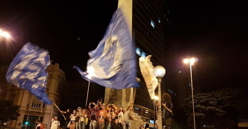 16.jun.2017 - Ato em Belo Horizonte em defesa das Diretas Já e pela saída do presidente Temer saiu da Praça Afonso Arinos rumo à Praça da Estação