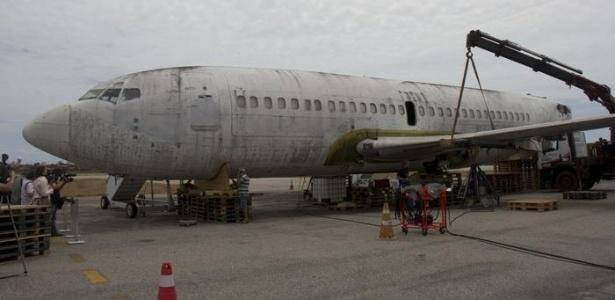 Desmontagem de uma asa do Landshut em Fortaleza se tornou evento midiático