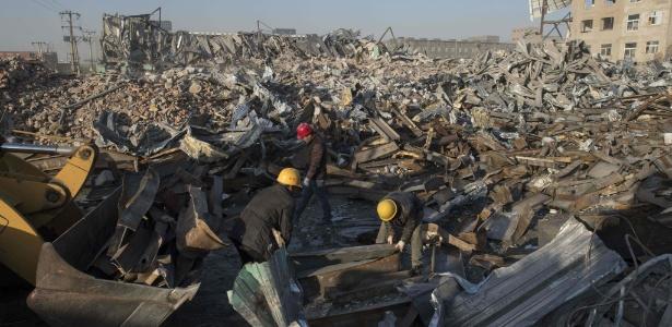 Pequim começa a expulsar trabalhadores do campo que migraram para ampliar a cidade e foram responsáveis pelo boom econômico da China