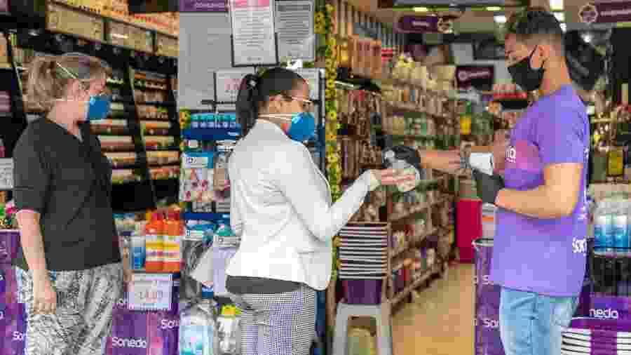 10.jun.2020 - Reabertura do comércio em São Paulo em meio à pandemia do novo coronavírus - Patricia Borges / Estadão Conteúdo
