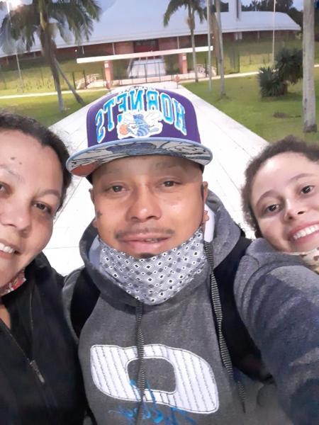 João Alberto Silveira Freitas e a esposa, Milena Borges Alves (e); ele foi espancado em uma loja do Carrefour em Porto Alegre e morreu - Arquivo pessoal