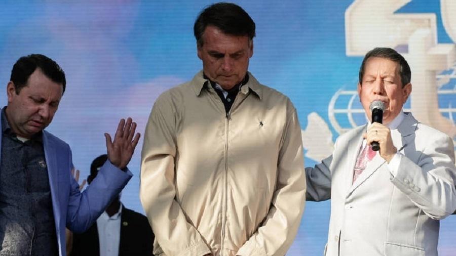 Bolsonaro articulou derrubada do próprio veto e teve reunião com David Soares (esq.), filho de R.R. Soares (dir.) - Carolina Antunes/PR
