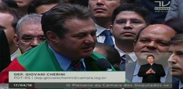 "Deputado Giovani Cherini (PDT-RS) anuncia voto ""sim"" pelo impeachment de Dilma Rousseff"